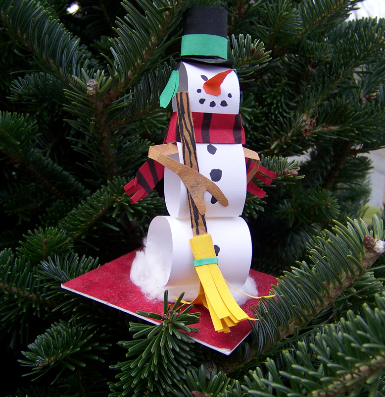 Art lesson fifteen Christmas tree ideas using recycled materials
